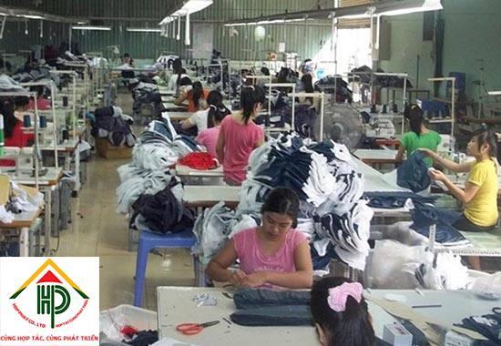 Những lưu ý khi chọn xưởng may balo túi xách giá rẻ quận 3